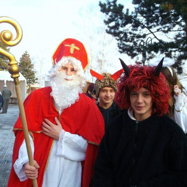 Vianočné trhy a ukážky zabíjačky