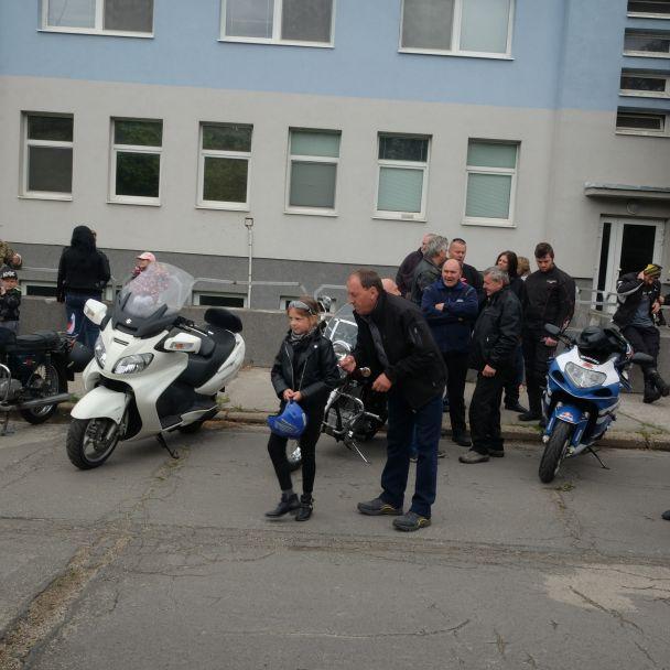 Zraz motorkárov