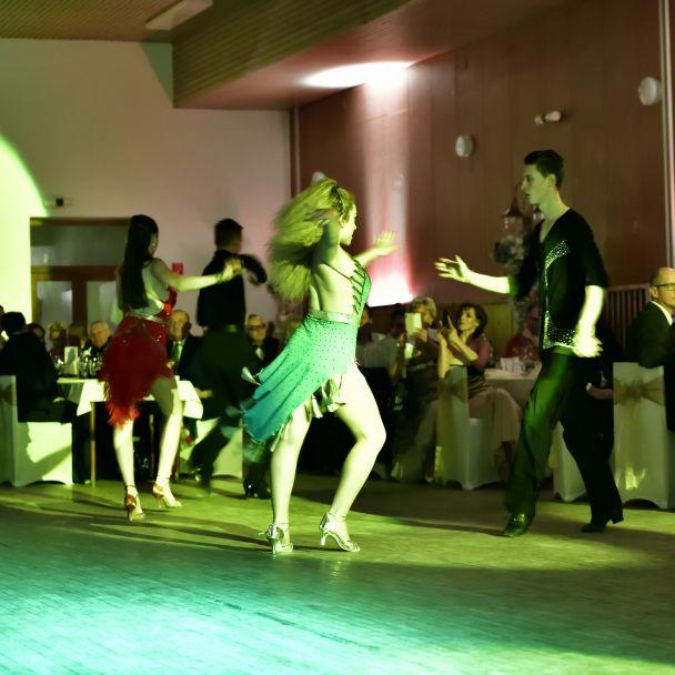 1. plesová zábava